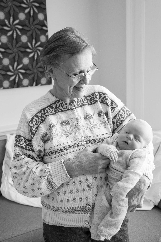newborn-baby-family-portrait-photographer-101.jpg