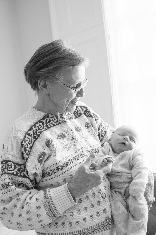 newborn-baby-family-portrait-photographer-102.jpg