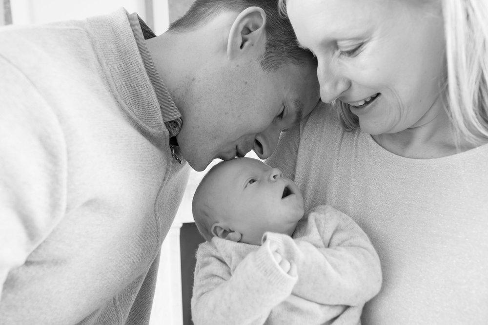 newborn-baby-family-portrait-photographer-111.jpg