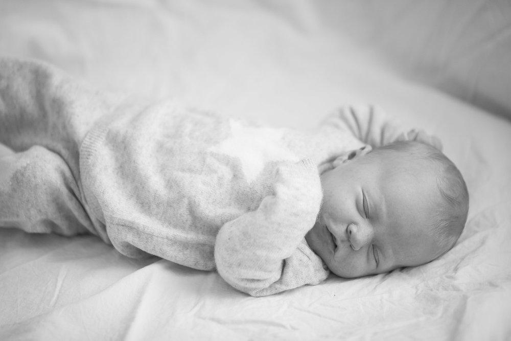 newborn-baby-family-portrait-photographer-141.jpg