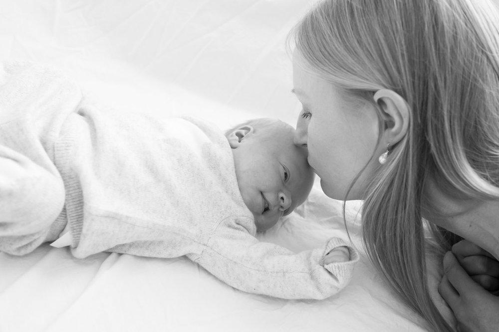 newborn-baby-family-portrait-photographer-160.jpg