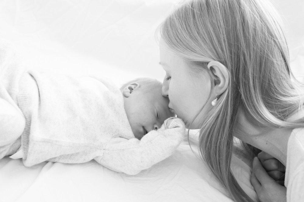 newborn-baby-family-portrait-photographer-163.jpg