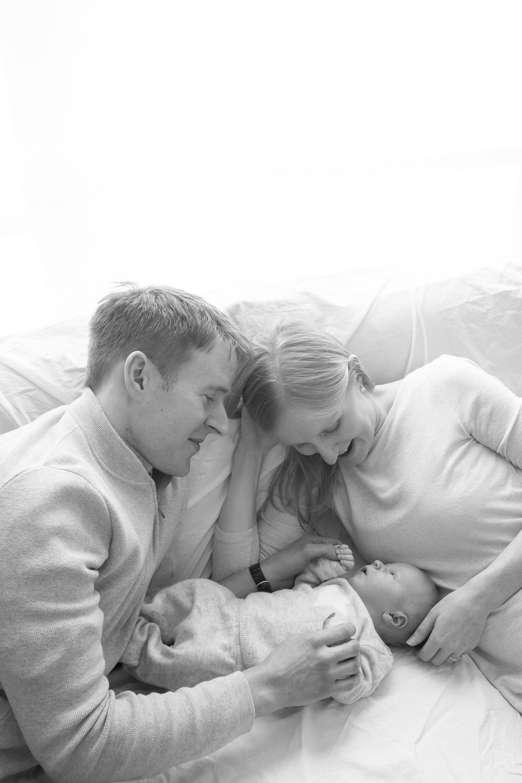 newborn-baby-family-portrait-photographer-185.jpg