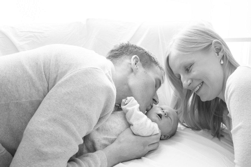 newborn-baby-family-portrait-photographer-198.jpg