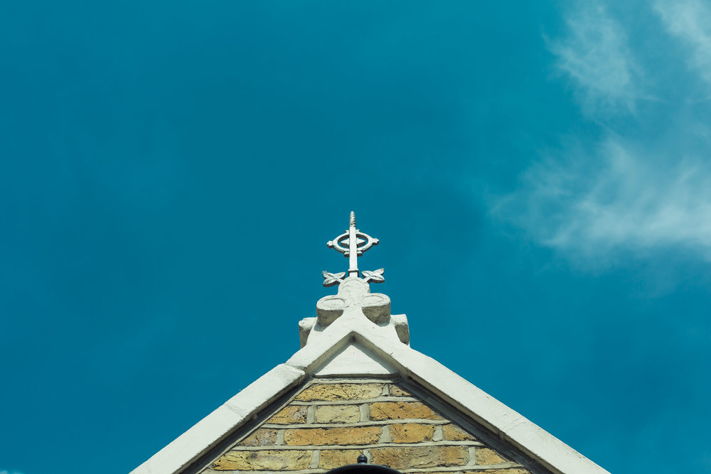barnes-healing-church-coach-and-horses-wedding-003.jpg