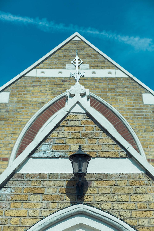 barnes-healing-church-coach-and-horses-wedding-005.jpg