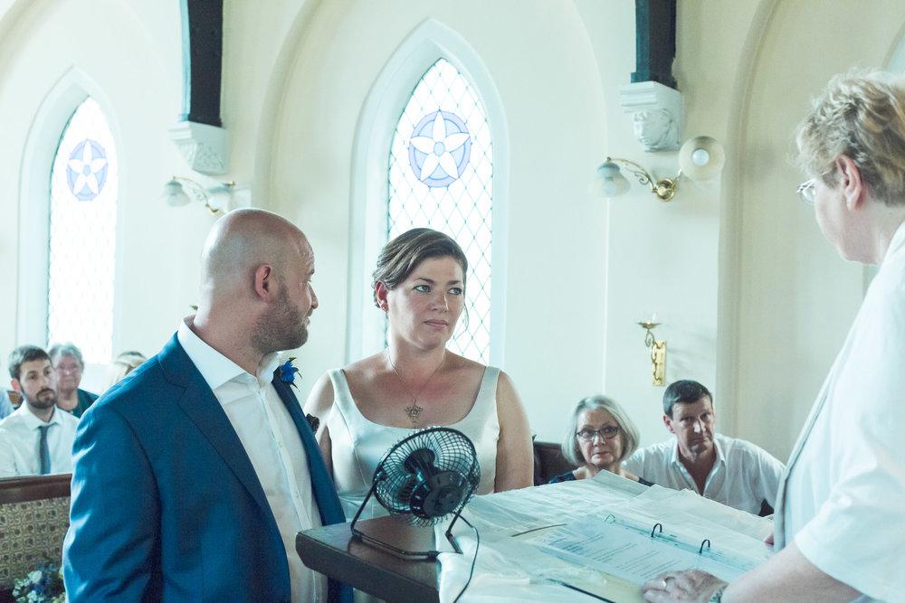 barnes-healing-church-coach-and-horses-wedding-081.jpg