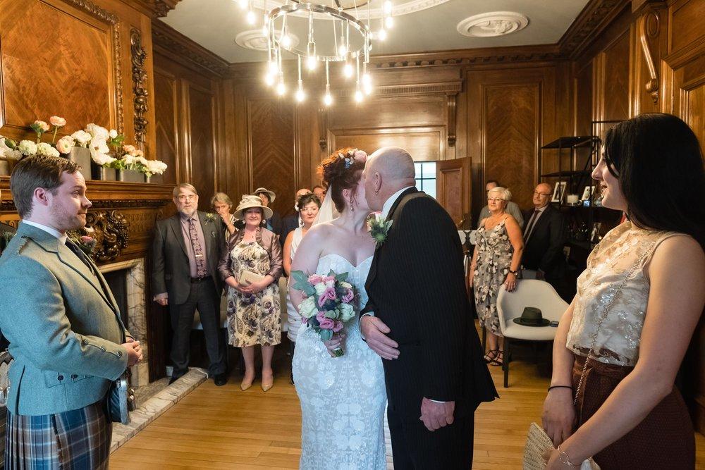 marylebone-town-hall-regents-park-ivy-chelsea-garden-wedding-030.jpg