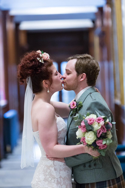 marylebone-town-hall-regents-park-ivy-chelsea-garden-wedding-117.jpg