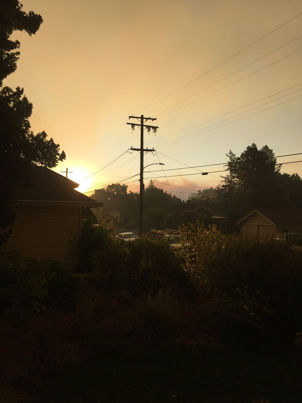 Eastern skies over Santa Rosa, CA at my downtown home. Monday, October 9th, 2017
