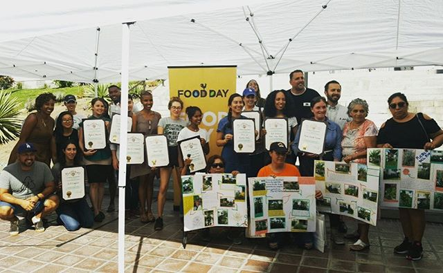 We are so proud of the incredible and passionate people of Los Angeles, fighting food waste, food accessibility and food insecurity. #FoodDayLA (thank you @lagoodfood for bringing us together) #GOdodgers💙 . . 📷 @danadigioia  #community #diversity #compost #education #goodfoodforall #losangeles