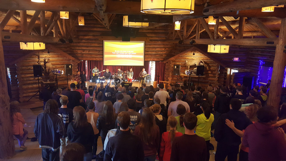 Youth worship at Quest Youth Retreat. Photo courtesy Elizabeth Cervasio