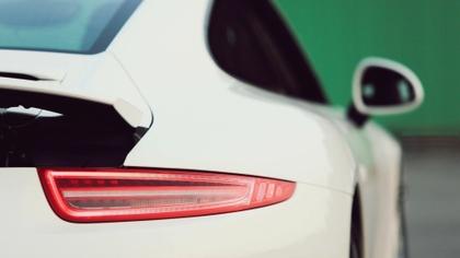 closeup white porsche cars porsche 911 gt3 porsche 911 gt3 rs 40_www.artwallpaperhi.com_12.jpg