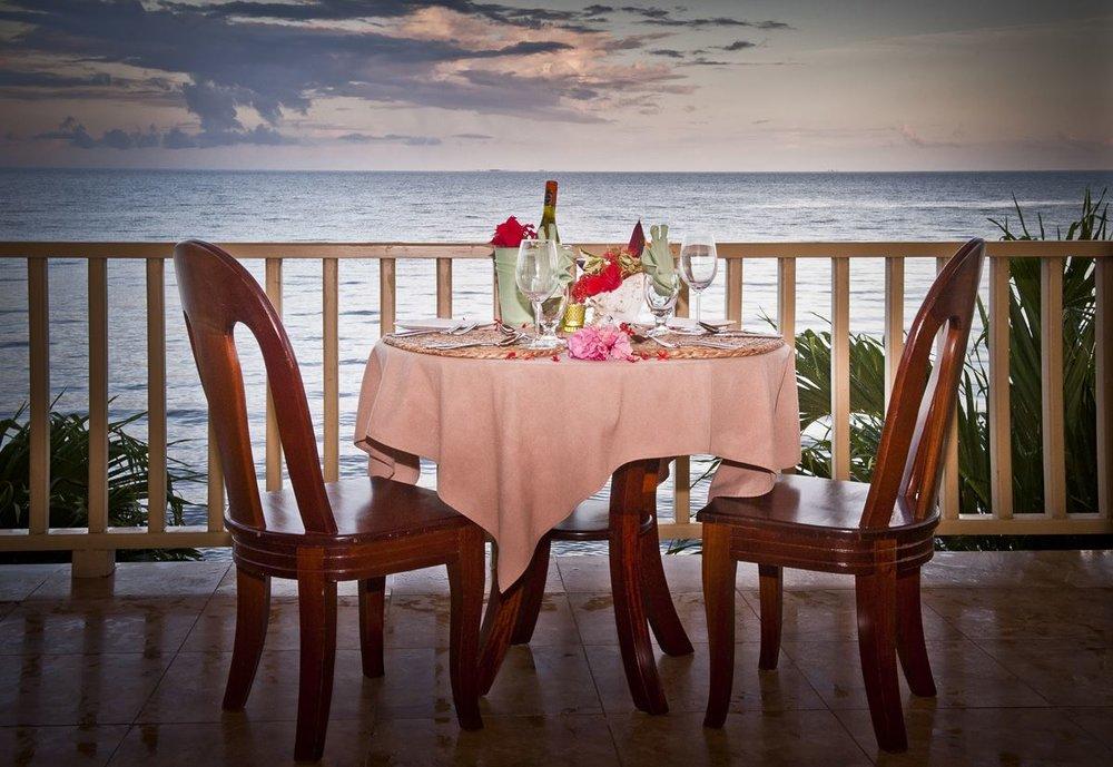 romantic dinner2.jpg