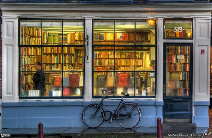 amsterdam bookshop.jpg