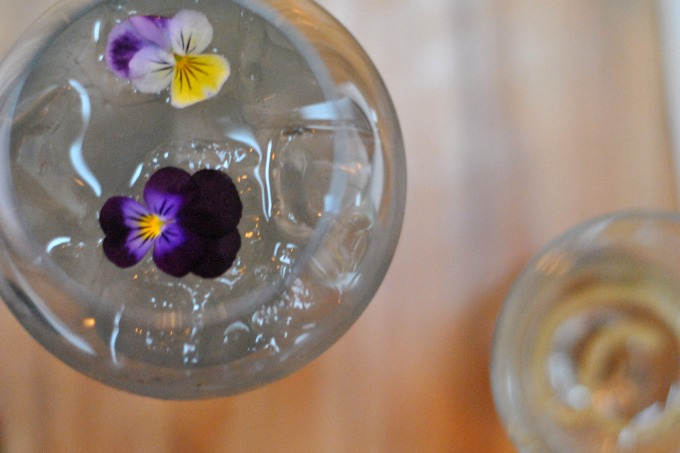 Portobello Road Gin Cocktail with Edible Flowers