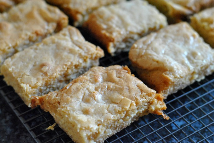 Brown Butter Blondies // Amy Elizabeth