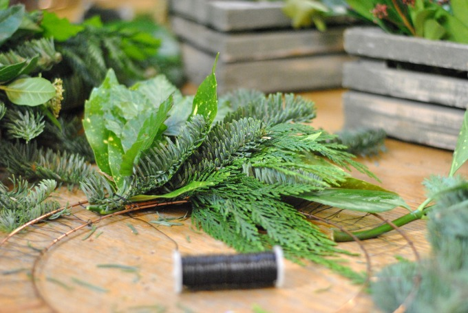 Making a Christmas Wreath // Amy Elizabeth