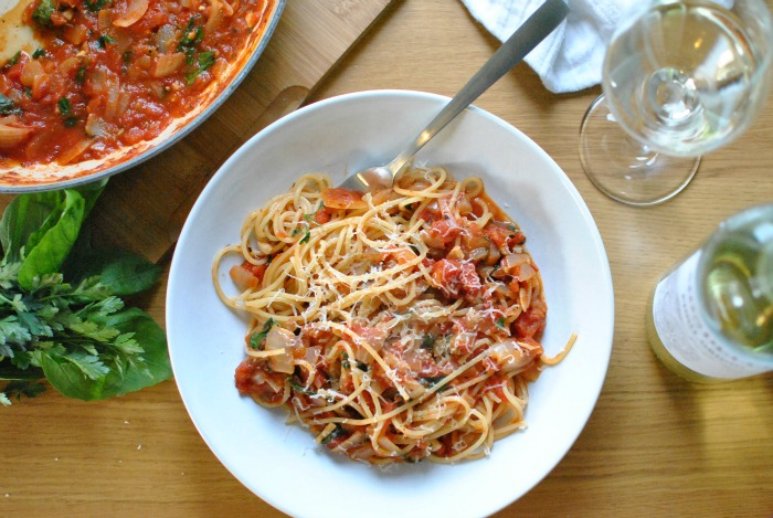 Simple Tomato & White Wine Pasta Sauce