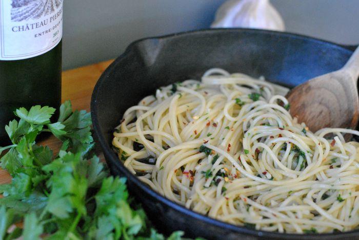 spaghetti-aglio-olio-2.jpg