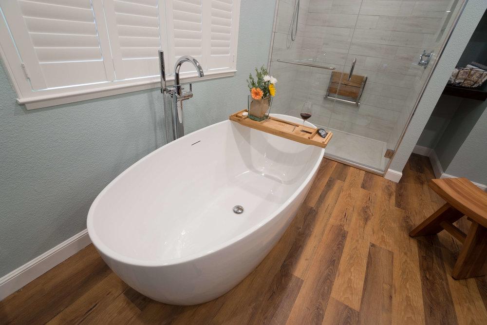 Design detail bath.jpg