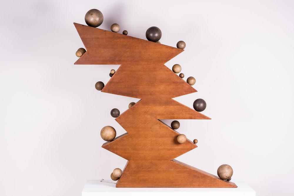 Vingt cinq boules sur dix plans inclinés , Wood, motor, string, 53 x 47 x 8 in., 1965