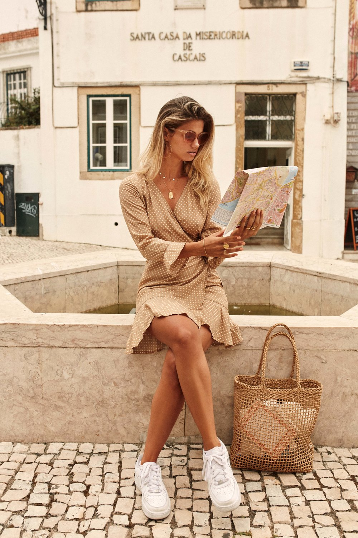 Palma Dress Sand & Bungalow Beach Bag Straw 1.jpg