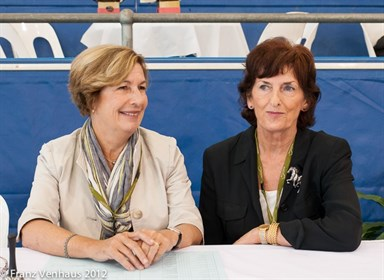 Judges Mary Seefried and Jan Geary (AUS) during a break in the Inter II-4911.jpg