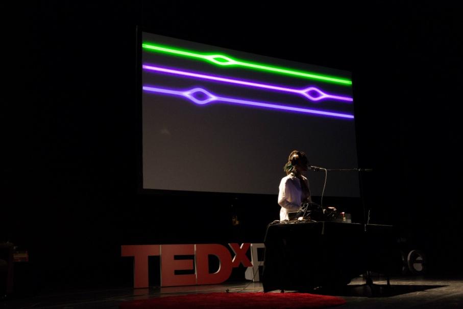 Siana-Altiise-TEDx-Synesthesia-Performance-1000px.jpg