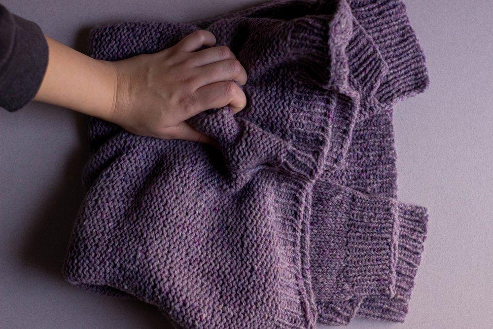 d68c6b8301e3d6 Finished  Weekender — Knitting Vividly