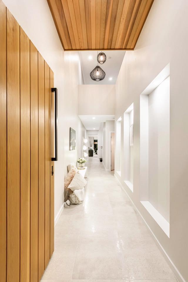 Main Floor UPTOWN BONE LAPPATO REC GLZ PCLN (600x600) (4).jpg