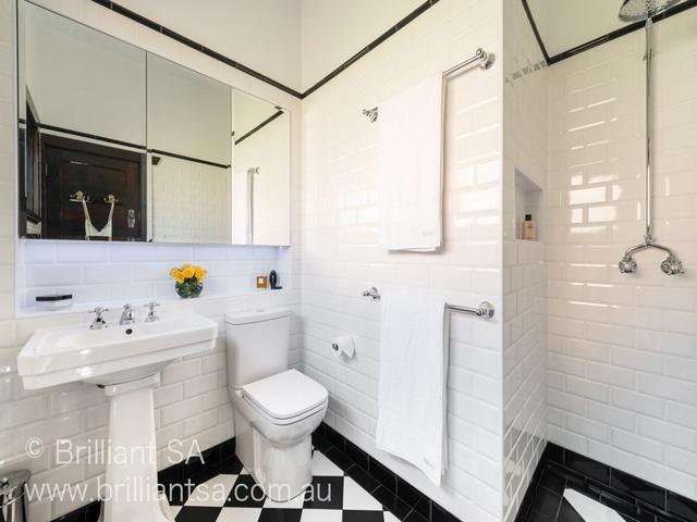 tiling ideas for small bathroom.jpg