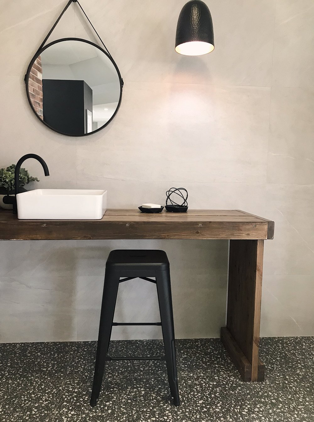 limestone avorio bathroom.JPG
