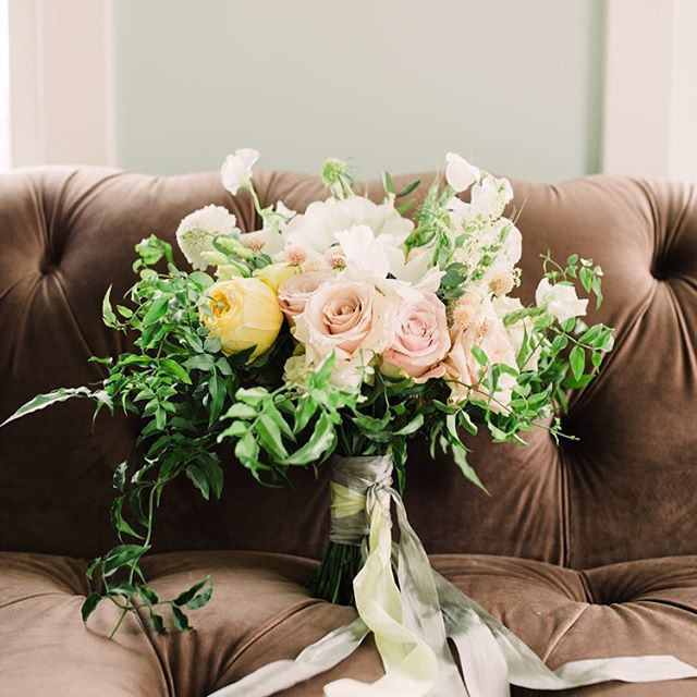 Gearing up for summer wedding season and events! . . .. Florals: @craftedstems 📷: @sandbytv . #monicalynneevents #mleevents #loudounweddings #loudounevents #northernvaevents #northernvaweddings #dmvevents #dmvweddings #weddings #eventplanner #weddingplanner #dcweddings #dcevents #dceventplanner #dcweddingplanner