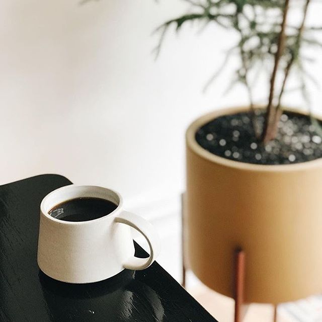 I'm so excited to have had the opportunity to design coffee mugs for @4lwcoffee 's new cafe in Avondale! The café is officially open, so stop by to say hi at 3022 W. Diversey :) Thank you so much for letting my work be part of your beautiful space!  Thank you @mandylancia for snapping this perfect picture :)