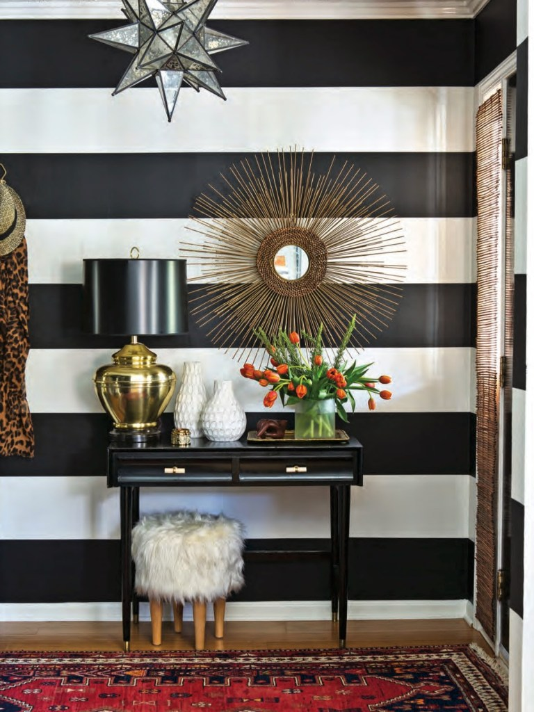 Dayka-Robinson-Designs-Black-White-Stripe-Entry-Home-Tour-Southern-Lady-Southern-Home-magazine-2015.jpg