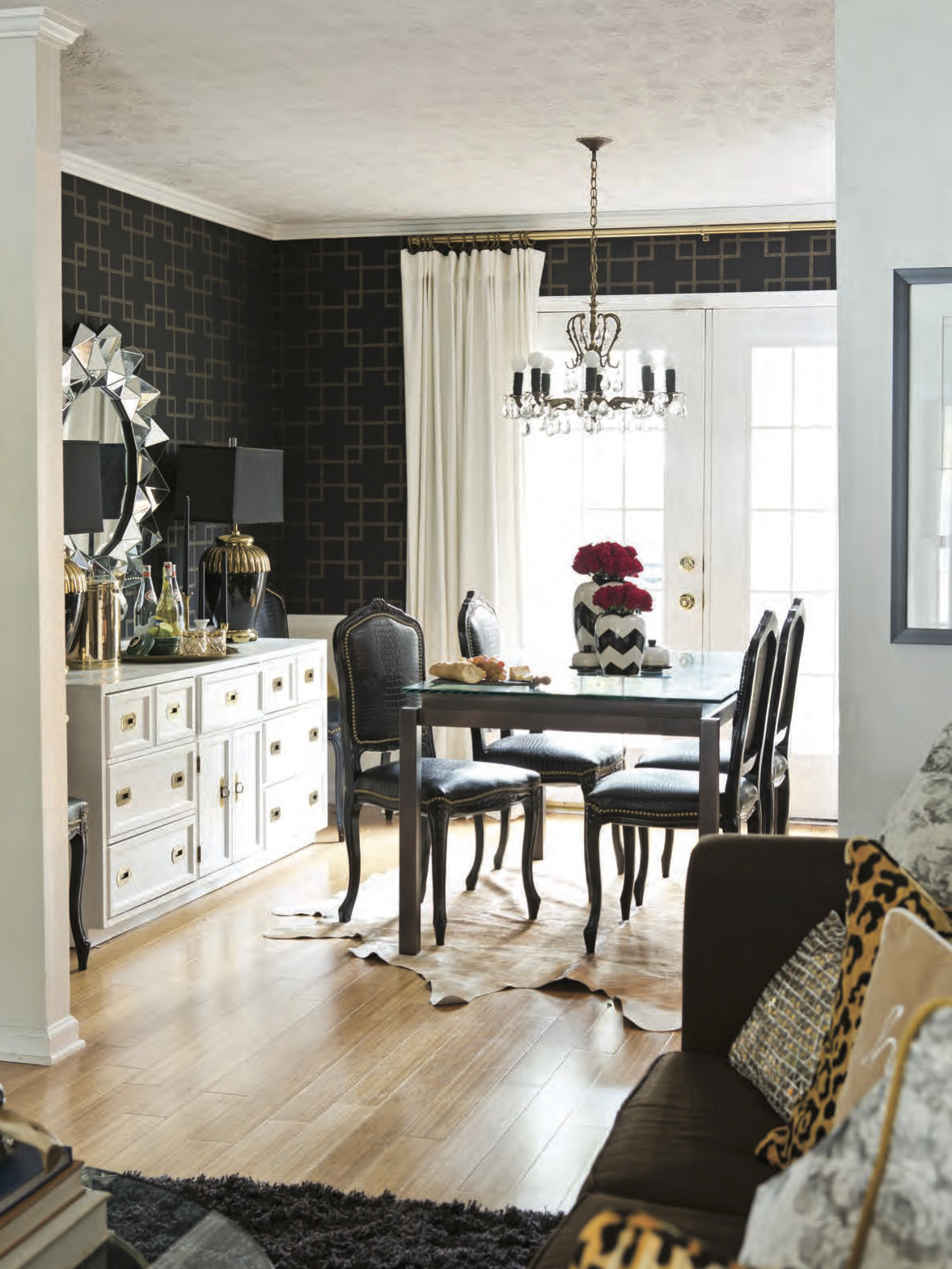 Dayka Robinson Designs Home Tour Southern Lady Southern Home magazine 2015-7