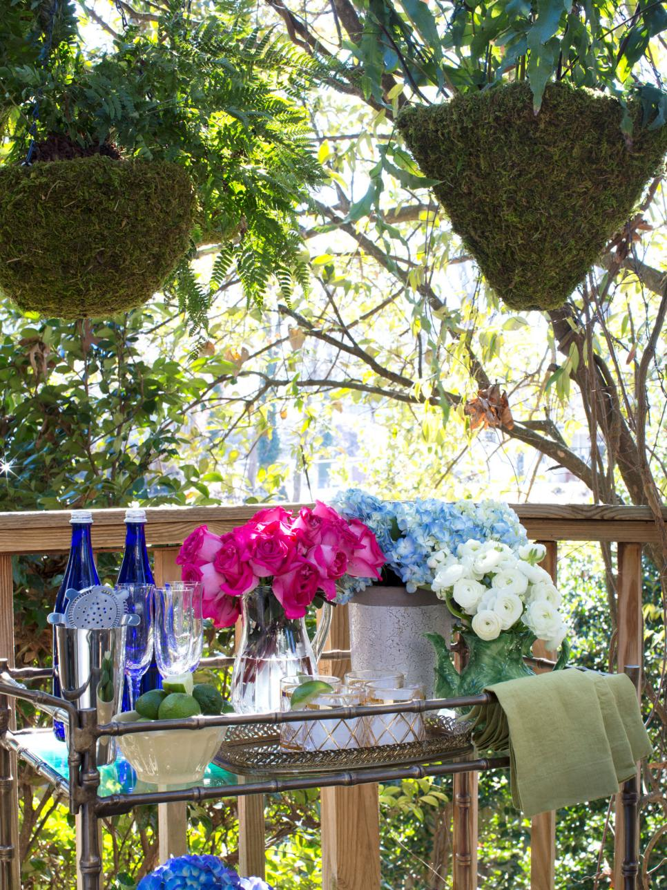 outdoor dining room bar cart HGTV spring house 2014.jpeg