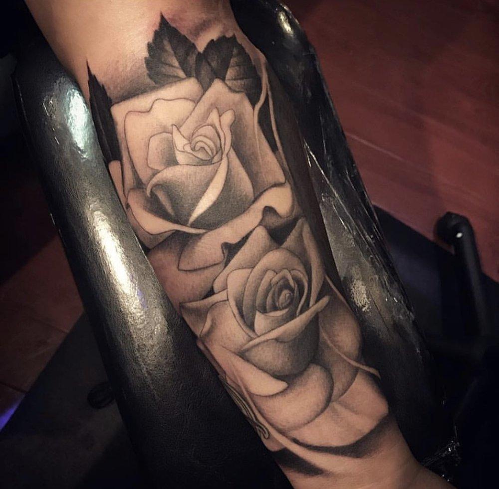 2 Roses 1.jpg