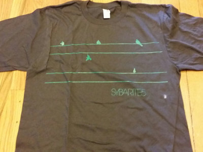 <b>EVERYTHING IN ITS RIGHT PLACE<br></b><small>T-shirt<br></small><b>$15</b>