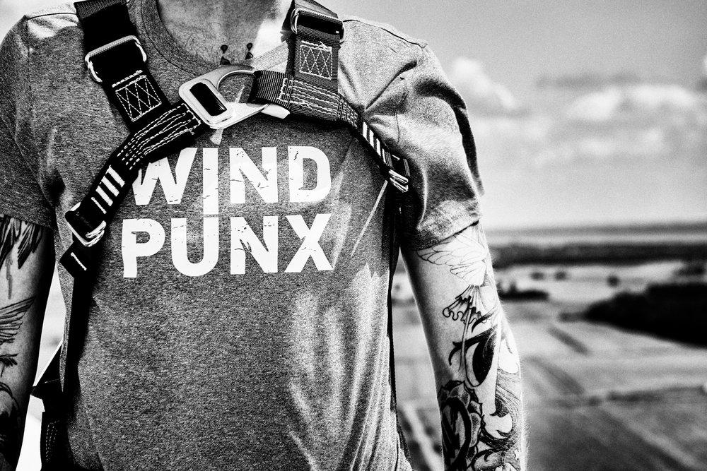 Werbefotografie: Imagebilder für den Markteintritt der Firma »windpunx«, die kaufmännische Betriebsführung für Windkraftbetreiber anbieten. Art Direktion Lukas Gerber von der Werbeagentur HK&S, Bremen