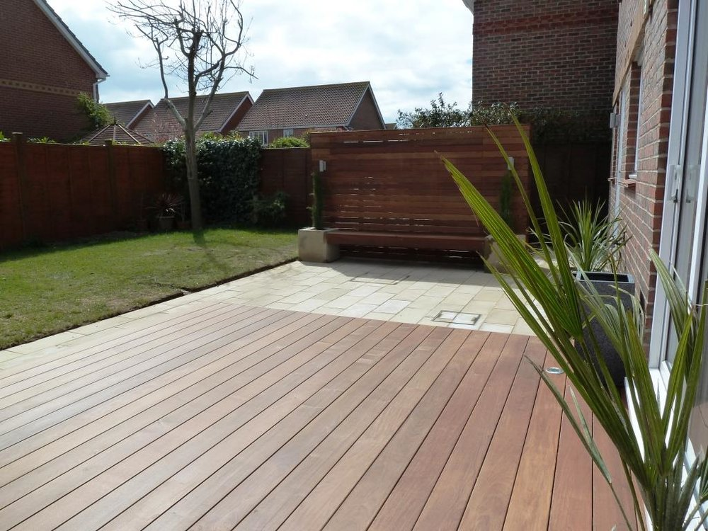 free-garden-design-with-the-right-choosing-wooden-patio-paved-gardens-designs-ideas-simple-great-in-modern-makeover-paving-ipe-hardwood-deck-vertical.jpg