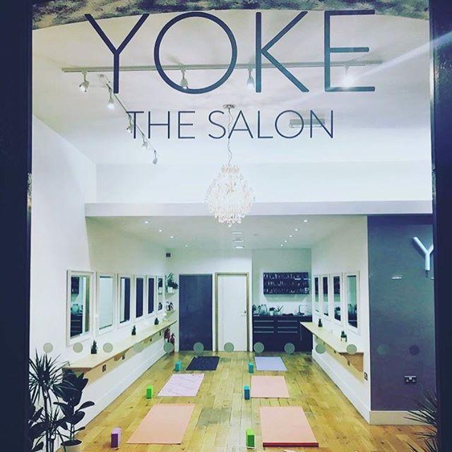 Yoga tonight at YOKE 6-7pm... #devonyoga #devonyogis #plymouth #ivybridge #yogaeverydamnday #yogaeverywhere #yogaeveryday #devon #fitspo #fitness #fitnessmotivation #handstands  #yoga