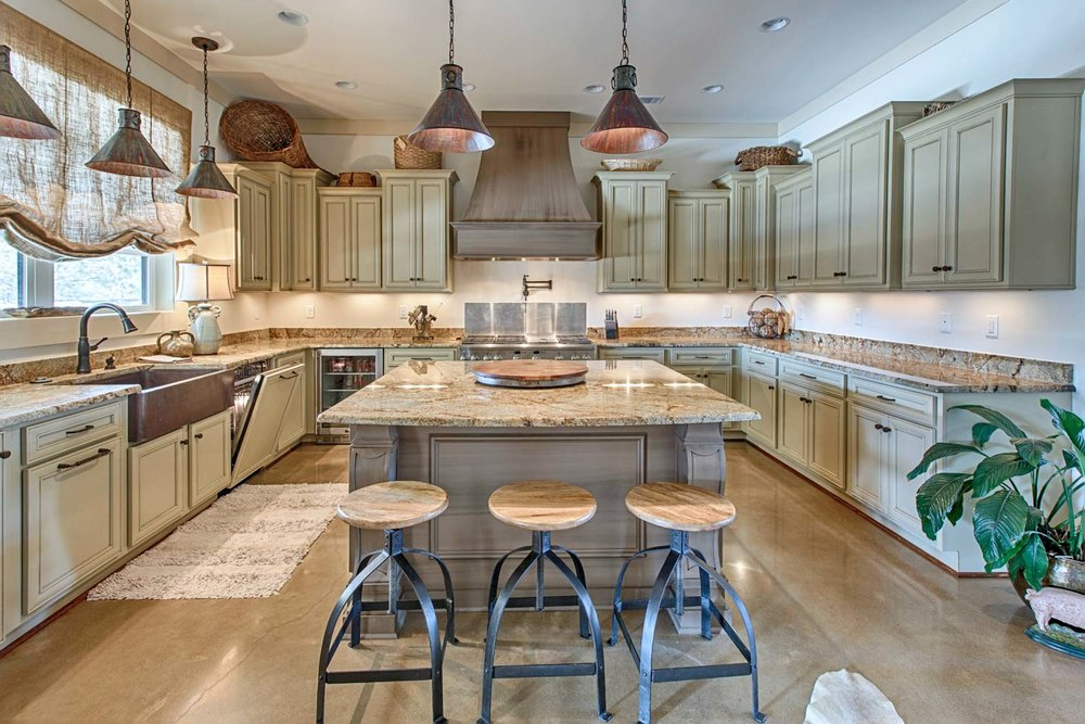 Semi-custom cabinets with two contrasting finishes