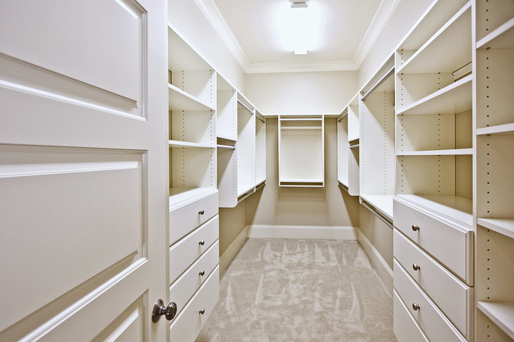 Custom walk in closet design and installation.