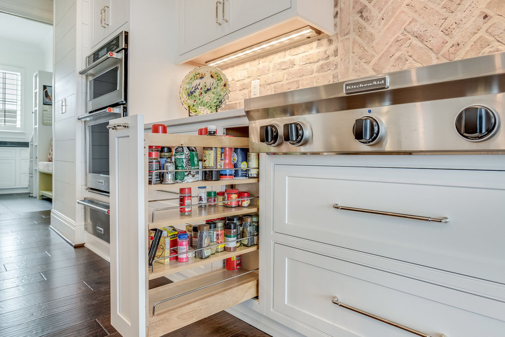 Cabinetry Features and Organization Options