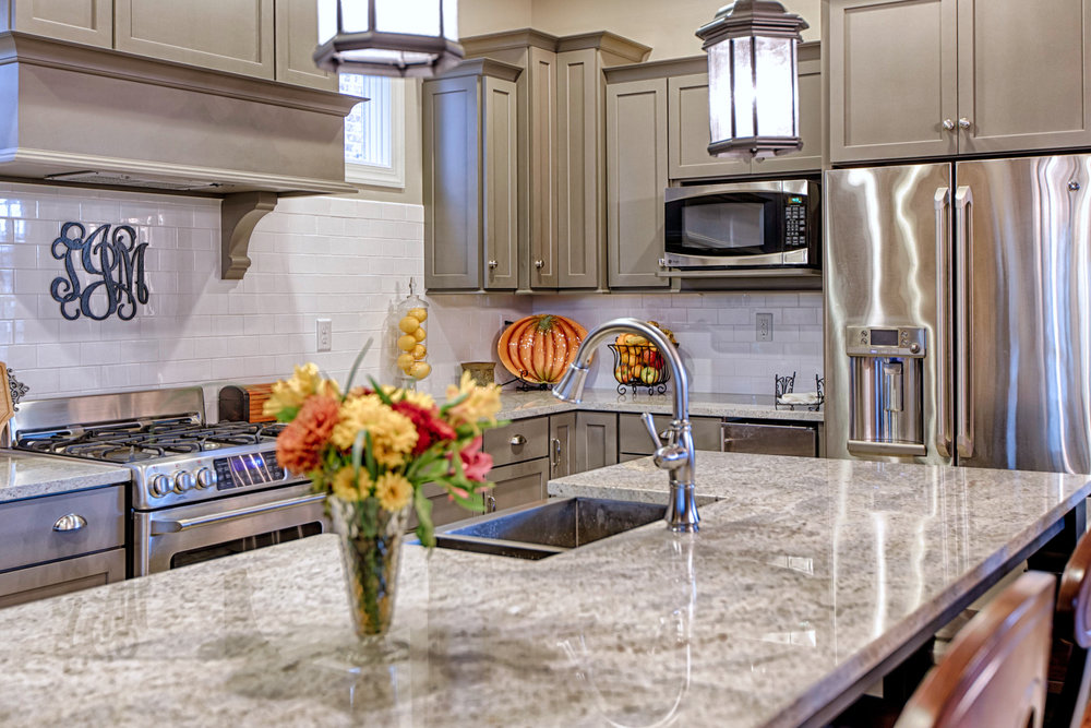 Consider Dark Kitchen Cabinets When Remodeling