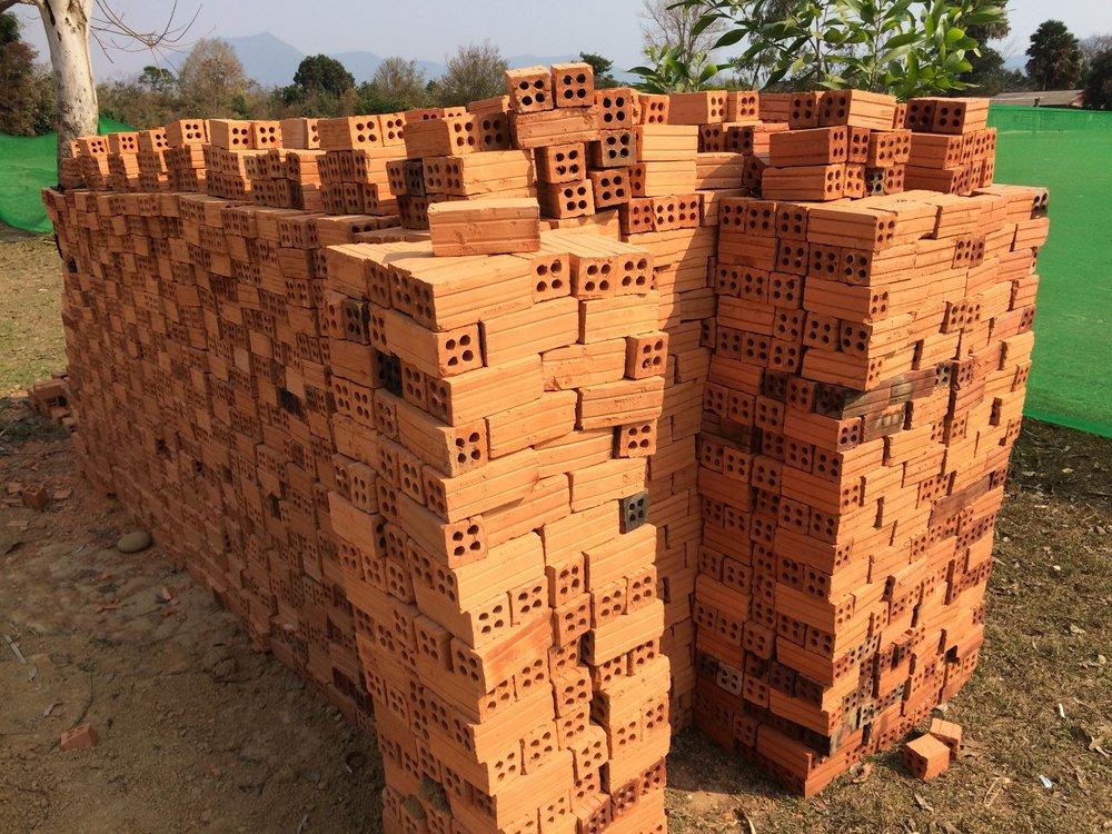 vk-bricks_16610801018_o.jpg