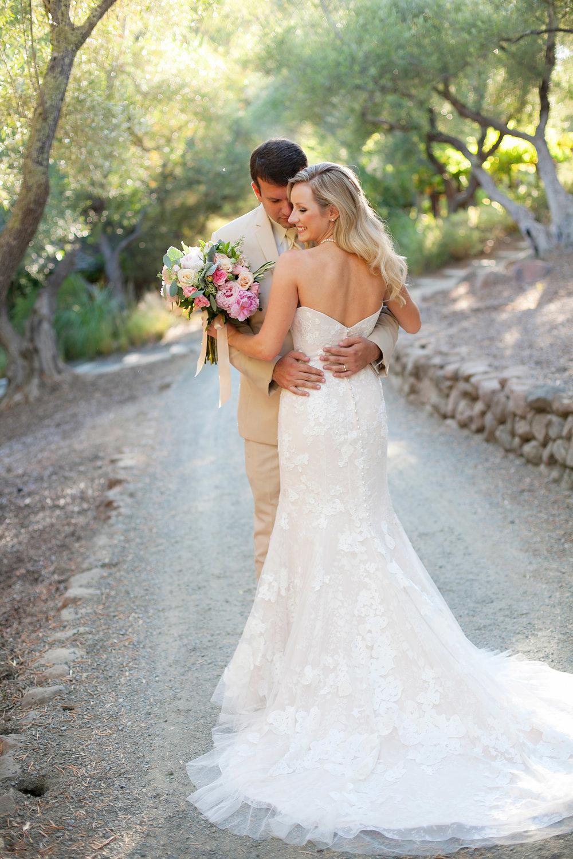 Best-Napa-Valley-Wedding-Venues-Auberge-du-Soleil.jpg
