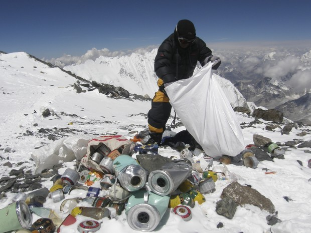 Collecting trash on Mount Everest